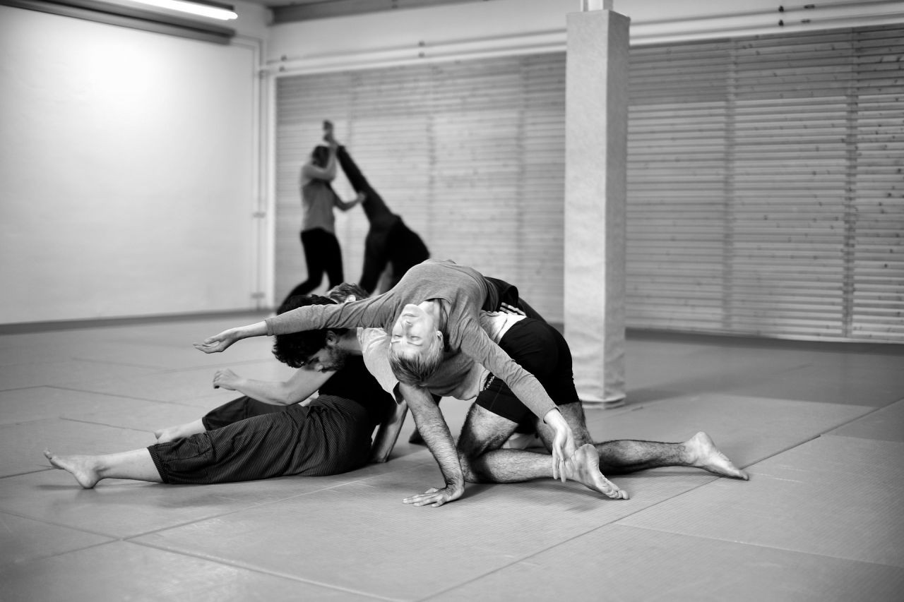 contact-improvisation-3684685_1920